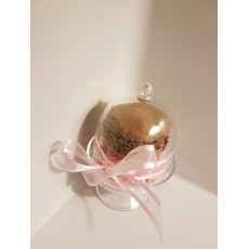 Mini cloche en plexi transparent garnie de macarons